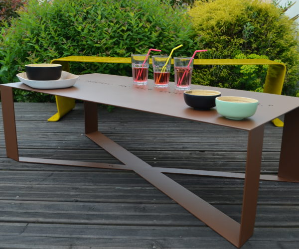 Table T-Steel Happiness