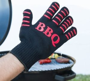 Gants pour barbecue, idéal pour cuisiner sans se brûler.