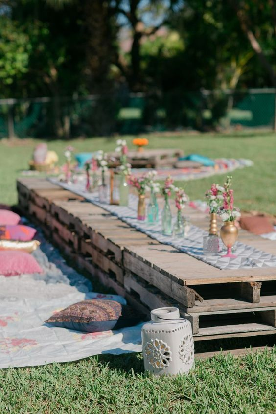 table de brunch en palettes